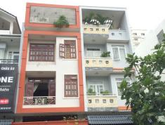 Cho thuê nhà hẻm xe hơi đường Quốc Hương, Quận 2