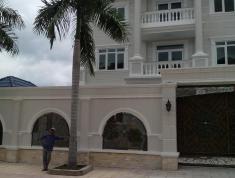 Cần bán biệt thự vip Nguyễn Văn Hưởng,P.Thảo Điền.Quận 2,DT 398m2(18 x 22m)Giá 45 tỷ,LH 0918883479