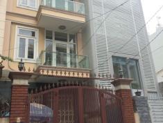 Cho thuê villa đường Nguyễn Đăng Giai, phường Thảo Điền, Quận 2 với giá 144.85 triệu/tháng