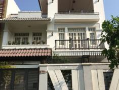 Cho thuê villa đường 12, phường An Phú, Quận 2 với giá 111.43 triệu/ tháng