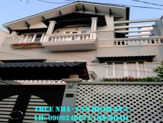Cho thuê villa đường 14 bên hông Mega Market, DT 450m2, hầm T, 2L, 5PN, giá 57tr/th. LH 0909246874