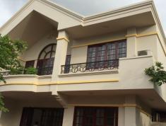 Cho thuê villa tại đường Nguyễn Văn Hưởng, phường Thảo Điền, DT 700m2, Q2 với giá 110 tr/tháng