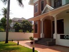 Cho thuê BT Ngô Quang Huy, Thảo Điền, Quận 2. Giá 110 triệu/tháng