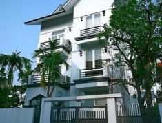 Cho thuê nhà nguyên căn Q2, đường Thân Văn Nhiếp, 300m2, 2 lầu, 4PN, có NT. 23 tr/th, 0918860304