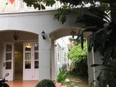 Cho thuê villa sân vườn hồ bơi đường 11, Thảo Điền, giá 45 triệu/th