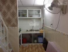 Cần bán căn nhà 1 trệt, 1 lầu, 2 phòng ngủ, 1wc, diện tích 22m2