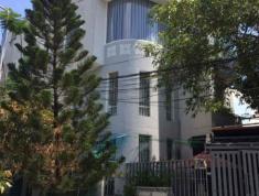 Cho thuê villa MT đường Nguyễn Hoàng, P.An Phú, Q2. Giá 105 triệu/th