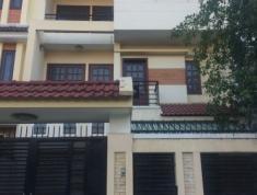 Cho thuê nhà (trệt + 2 lầu), phường Bình An, Q2. Giá 20 triệu/ tháng, full nội thất