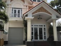 Bán nhà biệt thự MT đường Nguyễn Duy Trinh, Quận 2. DT 160m2, gía 5,5 tỷ, LH 091.7976.188