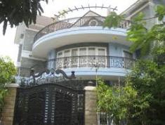 Cho thuê biệt thự đẹp Nguyễn Văn Hưởng, Thảo Điền, quận 2. 450m2, 4 phòng ngủ, 65.83 triệu/th