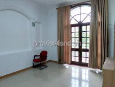 Cho thuê biệt thự chính chủ tại mặt tiền đường Xuân Thủy, 300m2, 3 phòng ngủ