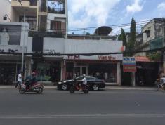 Cho thuê nhà MT Nguyễn Duy Trinh, Q. 2. DT 10x30m, NH chữ L, nhà cấp 4, giá 70 tr/th
