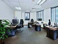 Cho thuê văn phòng lớn diện tích 350m2, giá 88.2 triệu/tháng