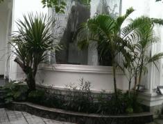 Cần bán gấp căn villa sân vườn đường Nguyễn Văn Hưởng, P. Thảo Điền