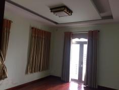 Cần bán gấp villa sân vườn đường Dương Văn An, P. An Phú, Quận 2