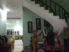 Sang Úc định cư cần bán nhà đẹp đường Nguyễn Tuyển, Quận 2. LH xem nhà 0901488849