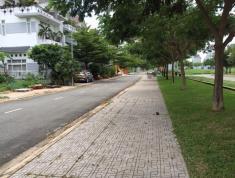 Cần bán gấp lô đất thổ cư mặt tiền Quận 2, đường Đồng Văn Cống, SHR