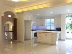 Cần tiền bán gấp căn nhà quận 2 diện tích 105m2, giá bán 9.4 tỷ