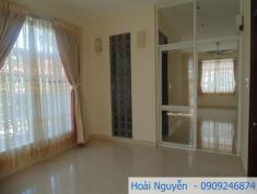 Cho thuê Villa ở phường Thảo Điền 300m2, 4PN, giá 52tr/th. LH: Hoàng Nguyễn