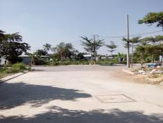 Cần bán gấp đất MT Hà Huy Giáp, P. Thạnh Xuân, Q. 12, cách cầu Giao Khẩu 5m. LH: 0903733952