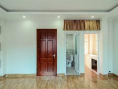 Bán gấp nhà dân tự xây chắc chắn ngõ 28 phố Trần Thái Tông, Cầu giấy, tặng 100% nội thất