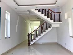 Cho thuê nhà hẻm đường Lê Văn Thịnh, Nguyễn Thị Định Quận 2. 5mx20m, có sân. 10tr/tháng