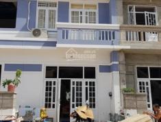 Bán gấp nhà 1 trệt 1 lầu,hỗ trợ ngân hàng 60%,ngay chợ đường Hùng Vương. Gọi ngay 0981059062