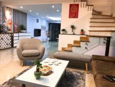 Bán nhà phố Lạc Long Quân, 7 tầng, thang máy, Tây thuê, 12 tỷ. LH 0981732919