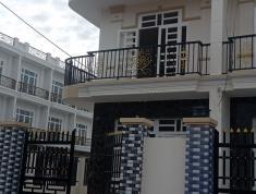 Kẹt tiền bán căn nhà 2 lầu chỉ 2ty1 gần ngay trường THPT Bình Chánh