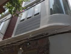 Bán căn nhà Q10 đường CMT8