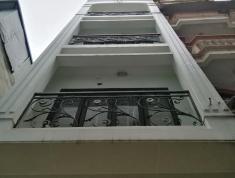 Nhà ngõ 302 đường láng 35m2 - 5 tầng giá 2.95 tỷ LH 0868196626