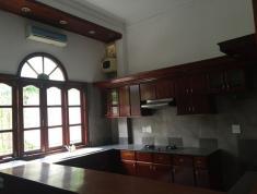 Cho Thuê Villa Sân vườn, Trung tâm Quận 2 - Giá 2700 usd/ tháng