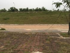 Đất đấu giá Giang Biên, đường 20m, vỉa hè 5m, 78m2, mt 5m. Giá 5.05 tỷ. 0967635789