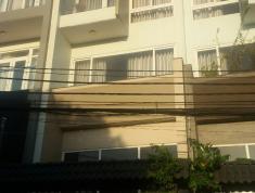 Cho thuê nhà nguyên căn mặt tiền đường Lớn, 3 lầu 4Pn,5wc ô tô để trong nhà. Giá 18 triệu/tháng Có TL. Lh 0918860304