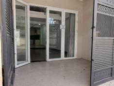 Nhà nguyên căn tại đường 28 và Lê Văn Thịnh, 3 lầu 4Pn,5wc ô tô để trong nhà. Giá 18 triệu/th Có TL. Lh 0918860304