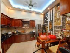 Bán nhà Tôn Đức Thắng, nhà mới đẹp, nội thất cao cấp, DT: 45m2