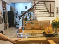 Gia đình cần bán nhà gần hồ Hoàn Kiếm vị trí cực đẹp, giá tốt!