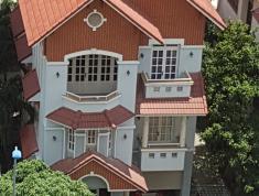 Tết chủ kẹt tiền cần bán gấp các căn nhà khu người Tây Làng Báo Chí 10x11m giá 13.5tỷ lh 0931200685