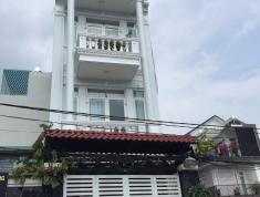 Bán nhà 3 lầu, giá 7,5 tỷ, đường rộng 12m, p. Bình Trưng Đông, quận 2. LH: 0933268080