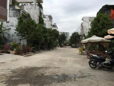 Bán đất 80m2, giá 5,4 tỷ, đường Nguyễn Duy Trinh rẻ vào 50m, quận 2. LH: 0933268080
