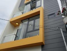 Bán nhà phố 3 lầu, giá 5,3 tỷ, đường thông, quận 2. LH: 0933268080