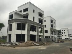 Nhà 4 tầng, lô góc 3 mặt tiền, view hồ, gần quảng trường, bể bơi, chợ...... TP Phúc Yên - Vĩnh