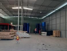 Cho thuê kho 400m2 đường lớn tiện để hàng xưởng may v.v. Giá 35tr/tháng 0914392070
