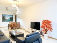 Căn hộ siêu đẹp, cho thuê nhanh, DT 135m2, 3PN, nội thất đẹp không tì vết, giá cực kỳ ưu đãi.
