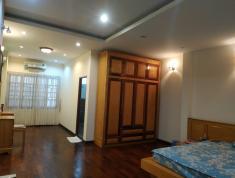 Nhà phố đường Nguyễn Văn Hưởng Thảo Điền Q2, 5x24m, 3 lầu, 2ST, nội thất gỗ cao cấp, giá 32 triệu
