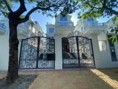 Bán biệt thự mặt tiền Nguyễn Văn Hưởng thuộc dự án Compound King Crown Thảo Điền, LH 0933786268